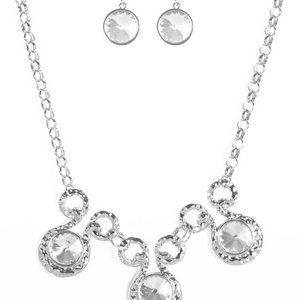 Paparazzi Silver Gem Necklace